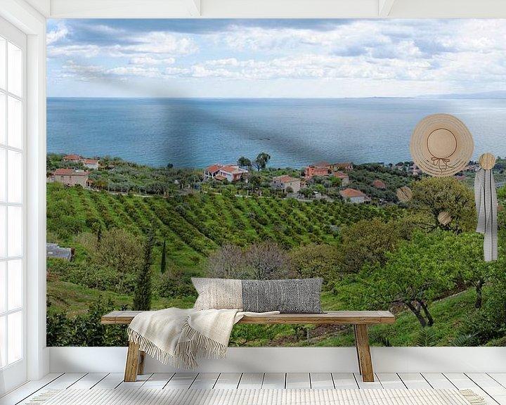 Sfeerimpressie behang: Evening over the Sicilian North Coast van Gisela Scheffbuch