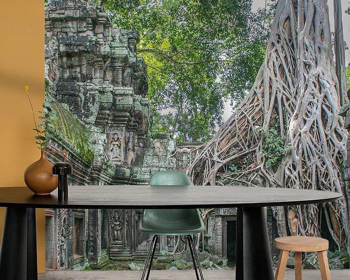 Sfeerimpressie behang: De natuur neemt in Cambodja van Erwin Blekkenhorst