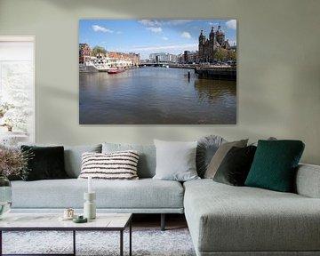 Amsterdam, tussen CS en de H. Nicolaas van Cees Laarman
