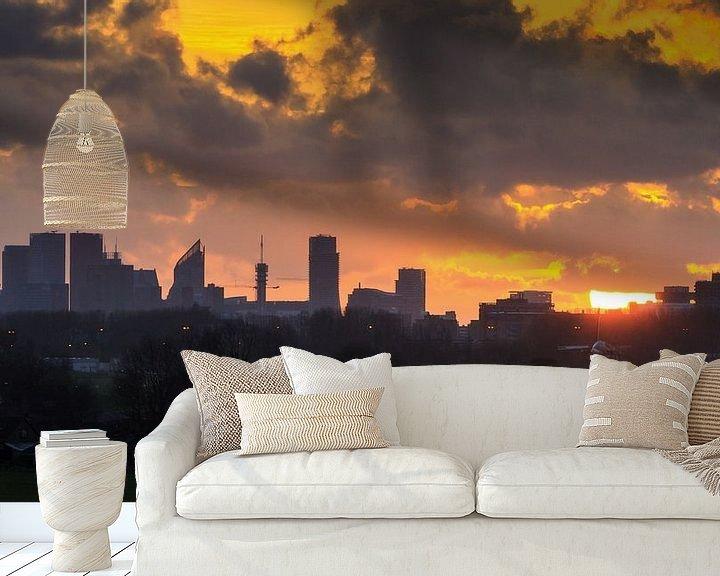 Sfeerimpressie behang: Den Haag Skyline Silhouet  van Dennis van de Water