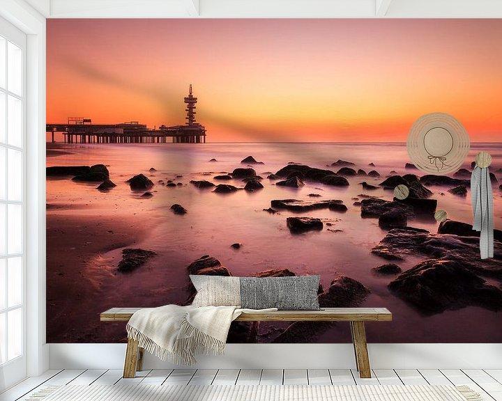 Sfeerimpressie behang: Scheveningen zonsondergang  van Dennis van de Water