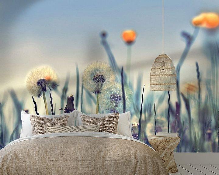 Sfeerimpressie behang: Pusteblumen artdesign van Julia Delgado
