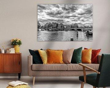 Amstel hoek Herengracht en de Blauwbrug in Amsterdam van Don Fonzarelli