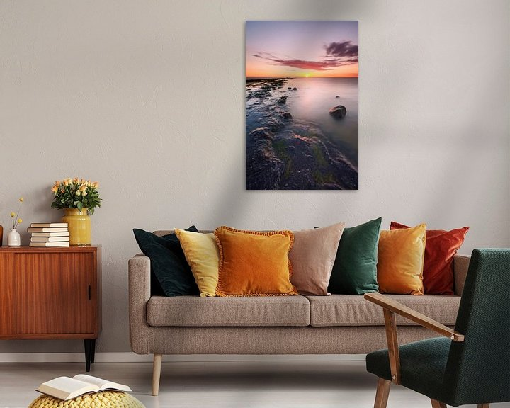 Sfeerimpressie: Zonsondergang boven Noordzee met strekdam van Mark Scheper
