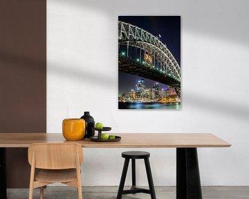 Sydney Harbour Bridge en Circular Quay bij nacht van Ricardo Bouman
