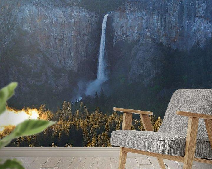 Sfeerimpressie behang: Prachtige ochtend bij de Bridalveil Waterval in Yosemite National Park in de Verenigde Staten van Am van Ricardo Bouman