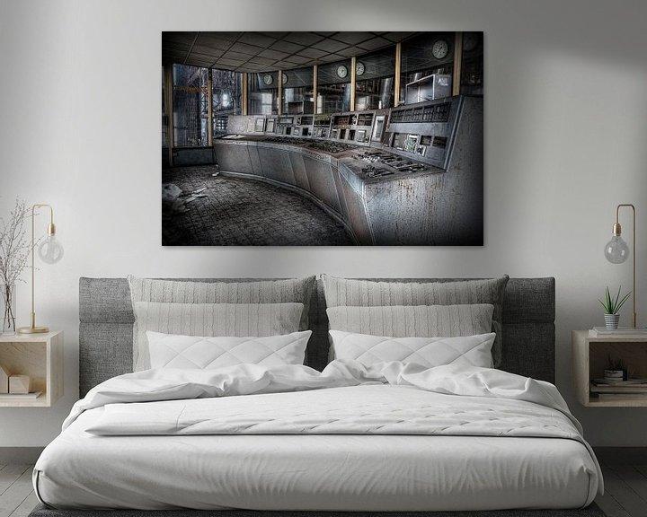 Sfeerimpressie: Controle kamer in een verlaten energiecentrale van Eus Driessen