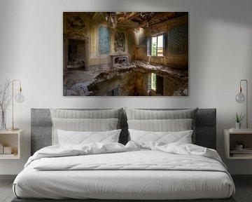 Kamer in Hevig Verval. van Roman Robroek