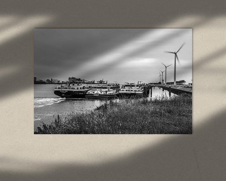 Sfeerimpressie: Windmolens in de haven van Ton de Koning