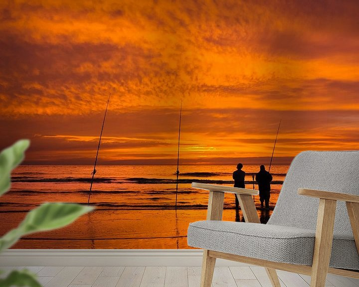 Sfeerimpressie behang: Zonsondergang met Vissers op het Strand van M DH