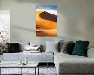 hoge zandduin in de sahara van Paul Piebinga