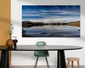 Lentezon over de bergen in de  Glencoe vallei von Anja Van Geert