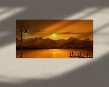 Le lac dans la lumière du soir sur Monika Jüngling
