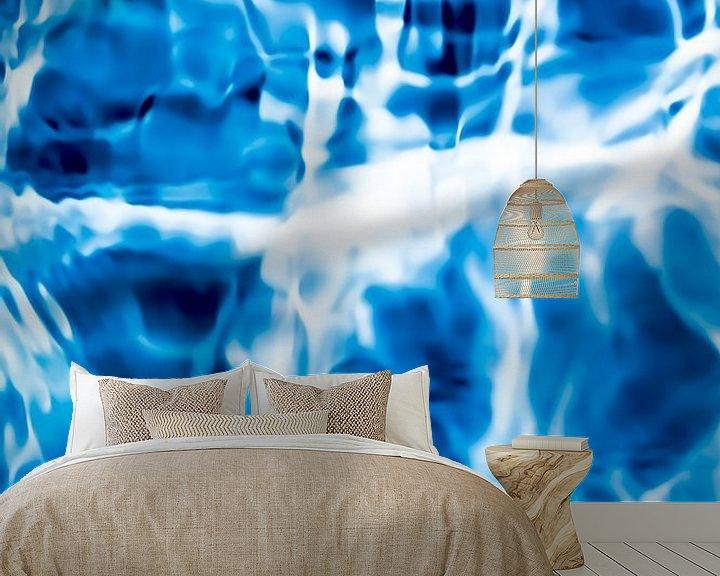 Sfeerimpressie behang: Stromend Water. van Robert Wiggers