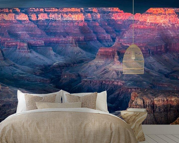 Sfeerimpressie behang: zonsondergang boven de Grand Canyon van Rietje Bulthuis