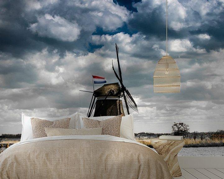 Sfeerimpressie behang: Eendrachtsmolen langs de Rotte met de Nederlandse vlag van Ricardo Bouman