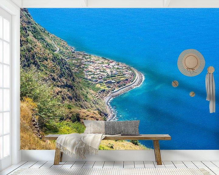 Sfeerimpressie behang: Jardim do Mar, Madeira van Michel van Kooten