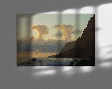 Symmetrische wolken van Michel van Kooten