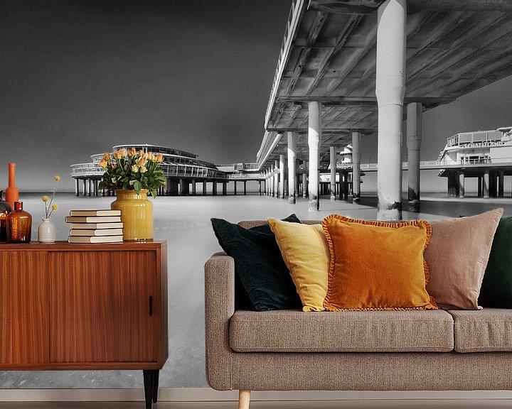 Sfeerimpressie behang: Pier van Scheveningen van Tom Roeleveld