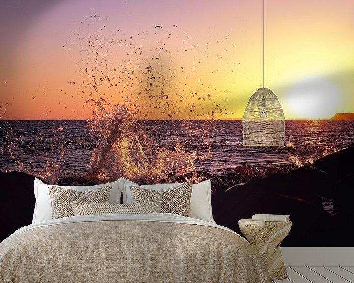 Sfeerimpressie behang: Splish Splash an der Meeresküste van Tanja Riedel
