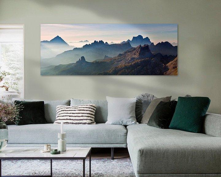 Beispiel: Landschaft, Berge, Panorama in den Alpen bei Sonnenaufgang mit Nebel und Morgennebel, Italien von Frank Peters