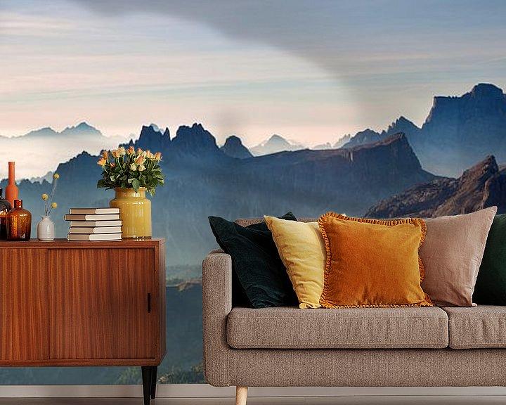Beispiel fototapete: Landschaft, Berge, Panorama in den Alpen bei Sonnenaufgang mit Nebel und Morgennebel, Italien von Frank Peters