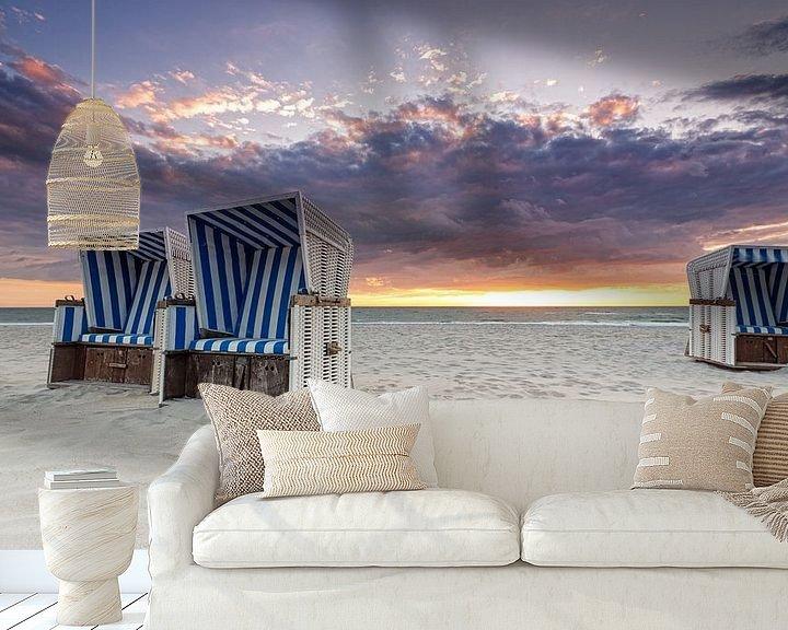 Sfeerimpressie behang: Beach chairs at sunset van Dirk Thoms