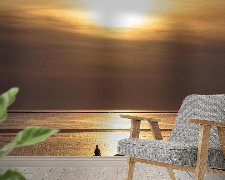 Impression: Chevaux, la plage et le coucher du soleil .. sur Miranda van Hulst