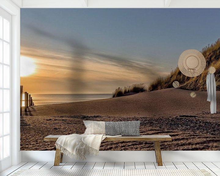 Sfeerimpressie behang: Zonsondergang strand van Miranda van Hulst