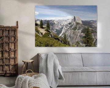 Yosemite National Park: vergezicht met El Capitan van Henk Alblas