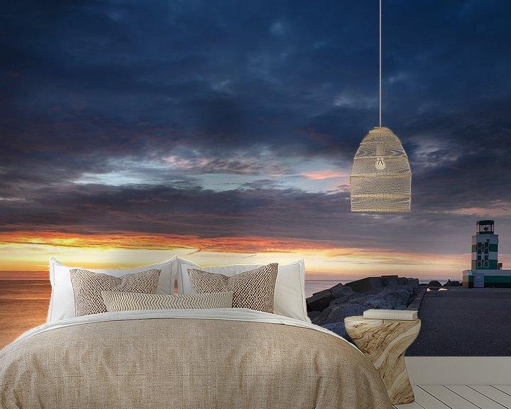 Sfeerimpressie behang: Vuurtoren en de zonsondergang van Menno Schaefer