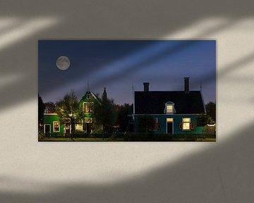 Blue Moon boven de Zaanse Schans van Roelof Foppen