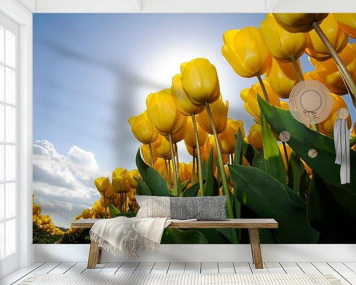 Sfeerimpressie behang: Gele Tulpen - Keukenhof van Roelof Foppen