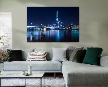 The Shard in blue / London van Rob de Voogd / zzapback