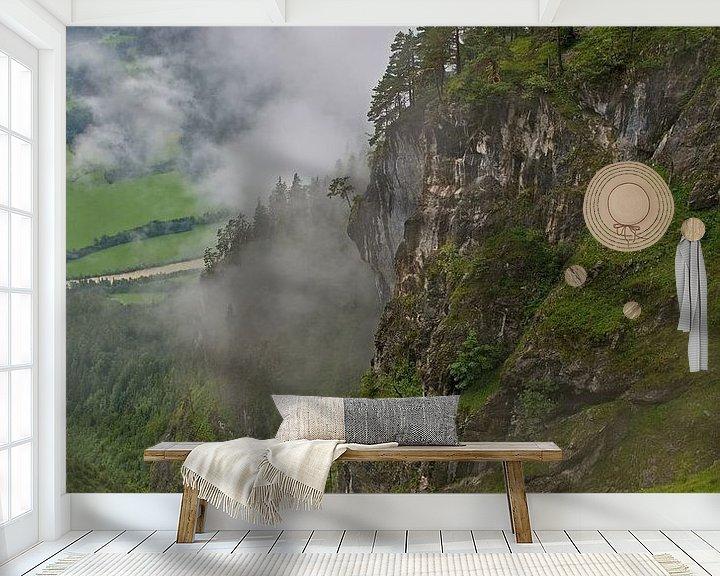 Sfeerimpressie behang: Tussen de wolken in de Alpen van Anton de Zeeuw