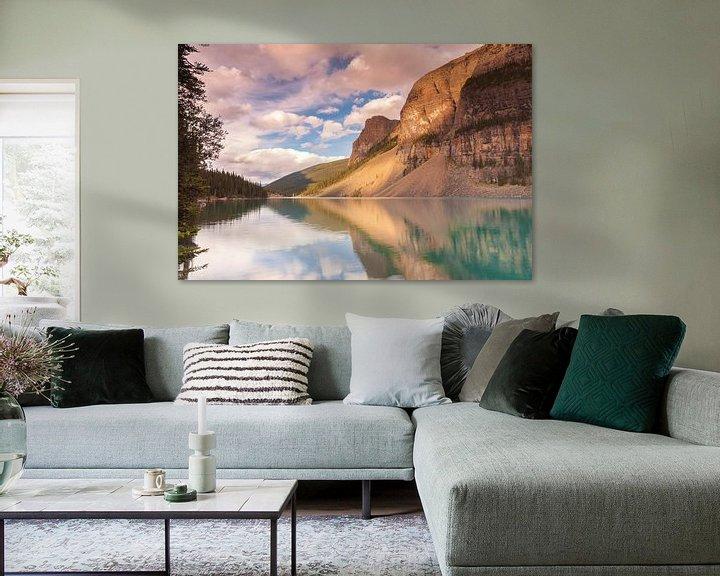Sfeerimpressie: Moraine Lake in Banff NP van Ilya Korzelius