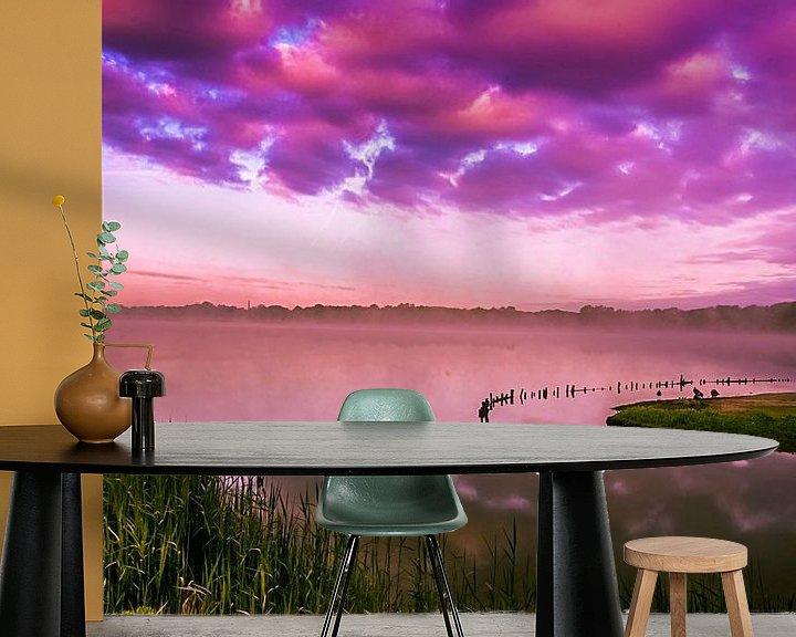 Sfeerimpressie behang: Purple morning... van Hermen van Laar