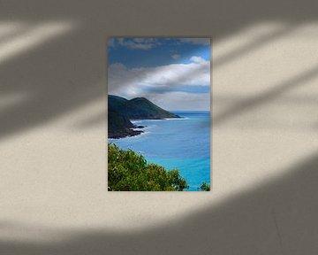 Das blaue Meer an der Great Ocean Road - Victoria, Australien von Be More Outdoor