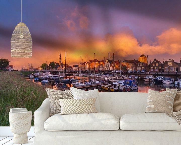 Sfeerimpressie behang: Regenwolken boven Veere van Gijs Koole