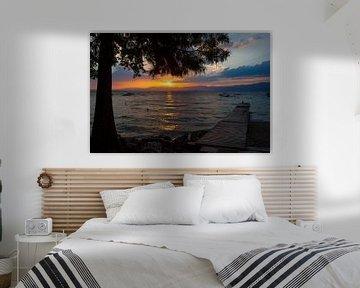 Zonsondergang Garda Meer van Leo van Valkenburg
