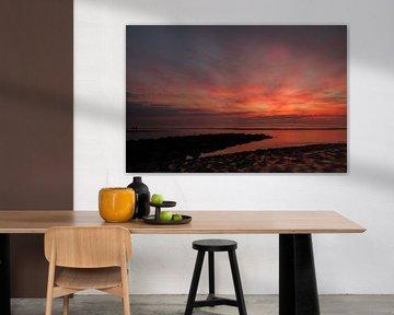 Zonsondergang buitenwatering Katwijk aan Zee van Menno van Duijn