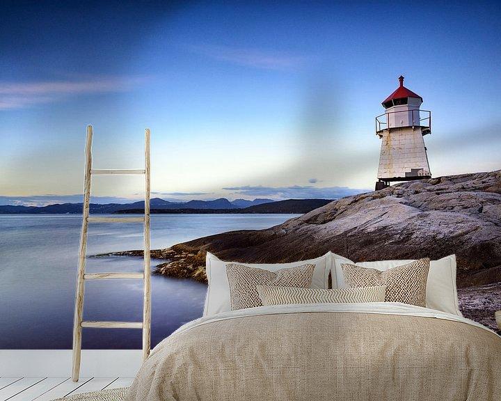Sfeerimpressie behang: Navigatie baken op een eiland in Noorwegen van Sjoerd van der Wal