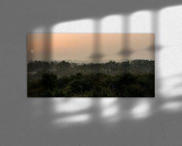 Zonsopgang boven Zeeuws-Vlaanderen (2) van Dirk Huckriede