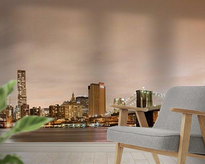 Sfeerimpressie behang: Manhattan skyline panorama bij nacht van Steve Van Hoyweghen