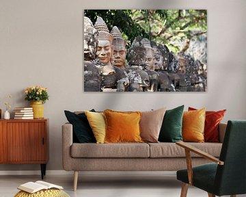 Figures in Angkor van Levent Weber