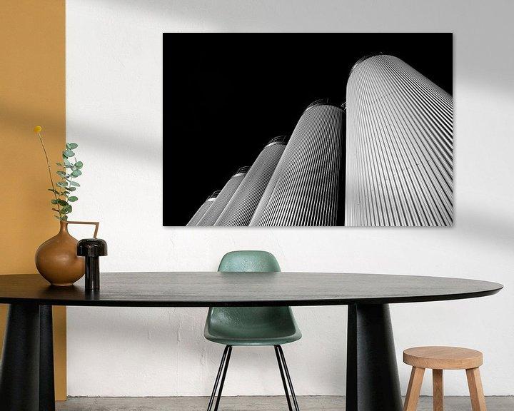Sfeerimpressie: Vijf Silo's in Zwart Wit van Jan Brons