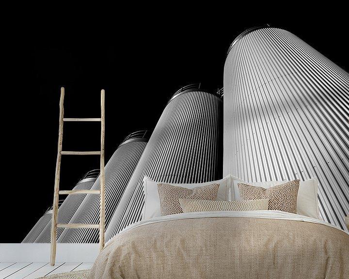Sfeerimpressie behang: Vijf Silo's in Zwart Wit van Jan Brons