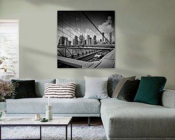 View from Brooklyn Bridge | Monochrome van Melanie Viola