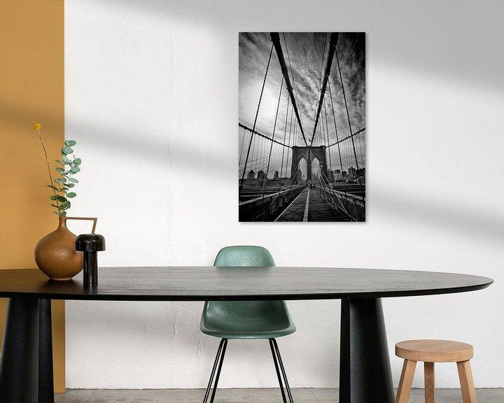 Sfeerimpressie: NYC Brooklyn Bridge   Monochroom van Melanie Viola