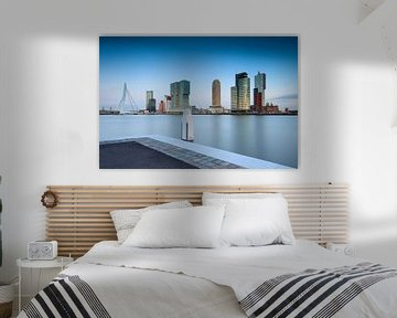 schemering valt over de moderne architectuur op de Rotterdamse Kop van Zuid van gaps photography